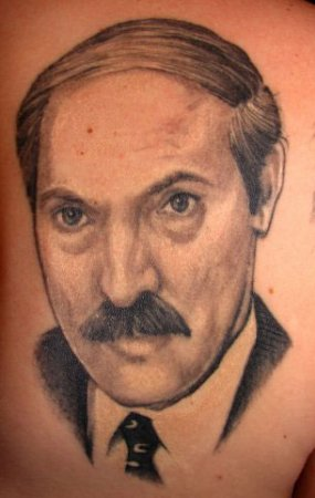 Почему ювелир из Минска сделал себе татуировку с Лукашенко