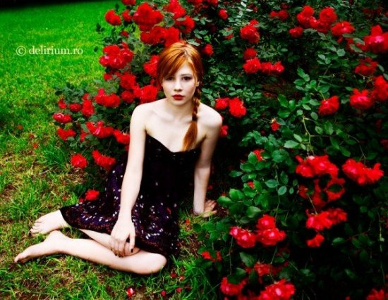 Woman (Foto Andreea Retinschi)