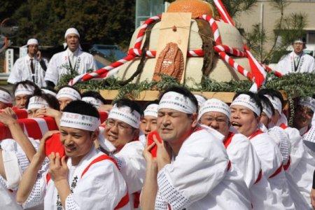 Японский фестиваль фаллосов