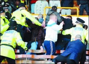 С полиции Ланкашира сняты обвинения в избиении болельщиков !