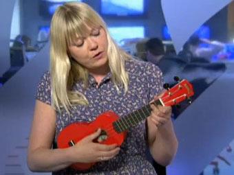 Исландская певица сочинила песню об Эйяфьятлайокудле