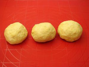 Пирог с мясом, луком, яйцом и сыром