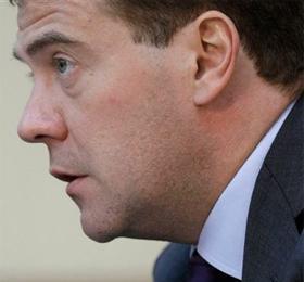 Медведев обвинил Иран в безответственности