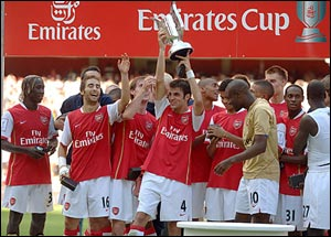 "Emirates Cup 2010 - ""Арсенал"" приглашает ""Селтик"", ""Милан"" и ""Лион"""