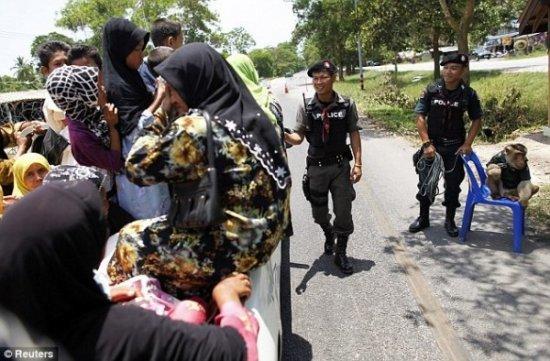 Офицер тайской полиции