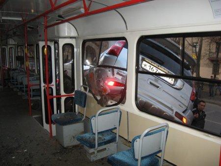 Ховер, столб и трамвай