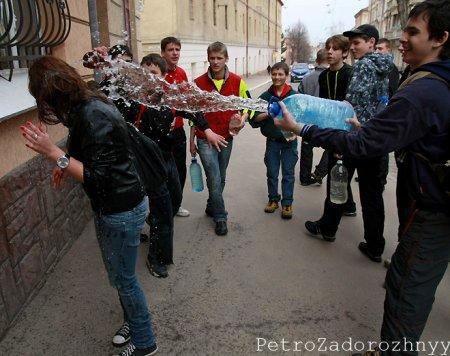 Мокрый или Пасхальный понедельник во Львове