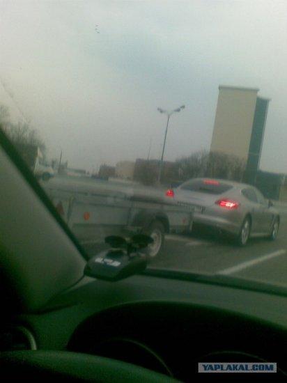 Москва город контрастов, porshe panamera + прицеп