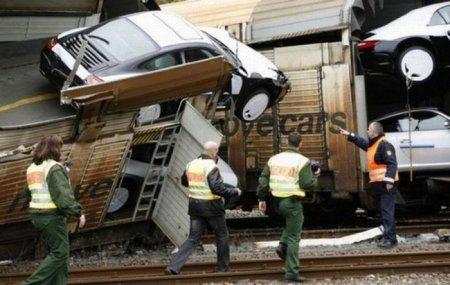 Печальные фотографии убитых дорогих машин.  Netka.  Комментариев: 5. автор.