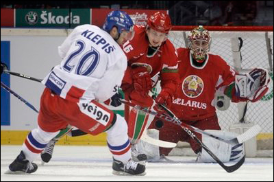 Хоккеисты сборной Беларуси проиграли Чехии