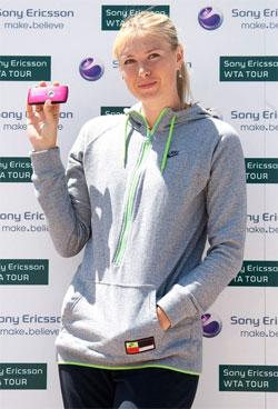Мария Шарапова выиграла у… мотогонщика