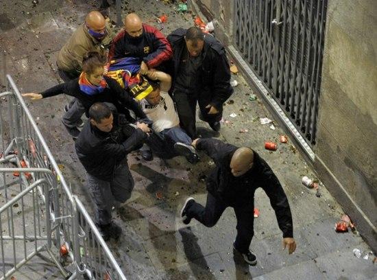 """Погром в Испании в честь """"Барселоны"""""""