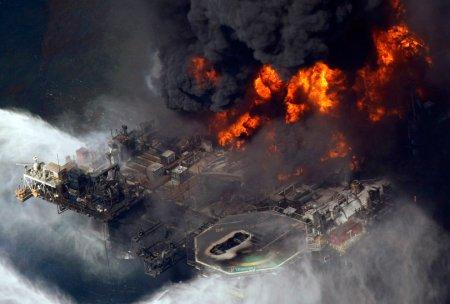 Пожар на нефтяной платформе - это всегда весело