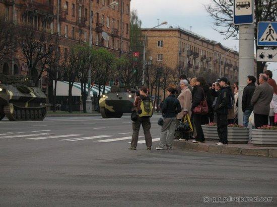 Военная техника проехала по улицам Минска
