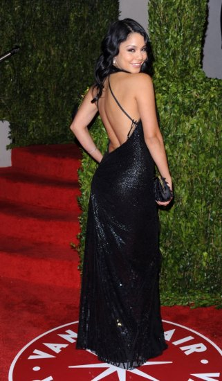 Vanessa Hudgens & Zac Efron (2010 Vanity Fair Oscar Party)