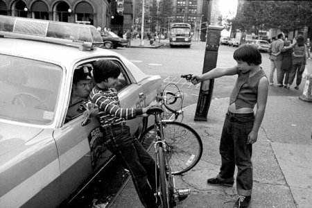 Полицейский фотограф