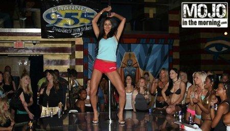 Мисс США 2010 - стриптизерша
