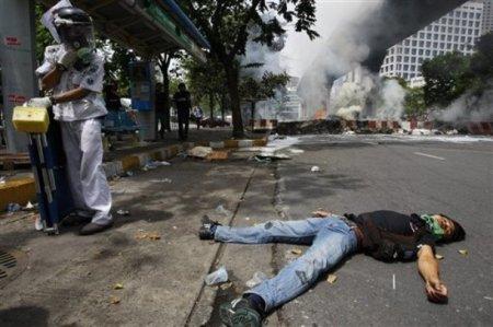 Армия Таиланда расстреляла оппозицию
