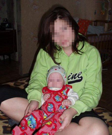 Мать не стала спасать тонущую девятимесячную дочку