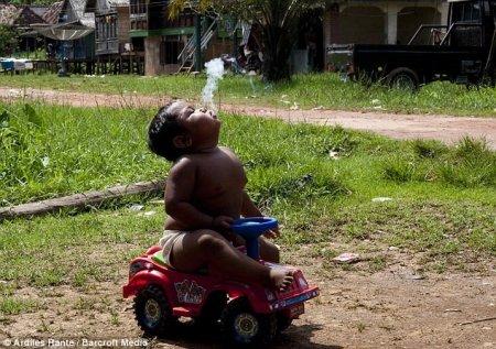 Двухлетний курильщик