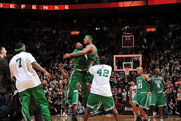 Paul Pierce makes 21-foot jumper to beat Miami Heat