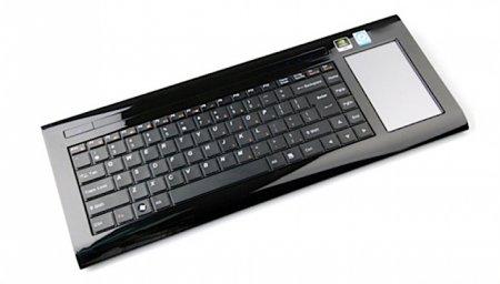 Commodore Invictus - компьютер в клавиатуре