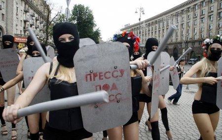 Акция Femen за свободу слова
