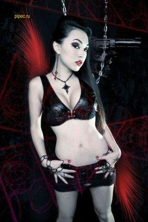 Девушка-вамп Линда Ли