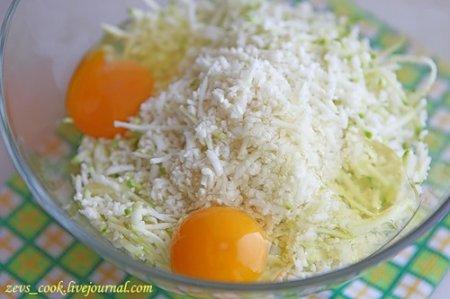 Оладьи из кабачков и цветной капусты