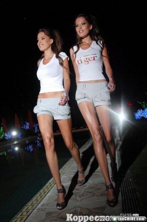 Конкурс секси-близняшек в Киеве