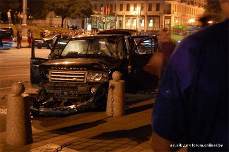 ДТП в центре Минска: Range Rover перевернулся несколько раз