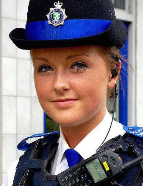 Красивые милиционерши