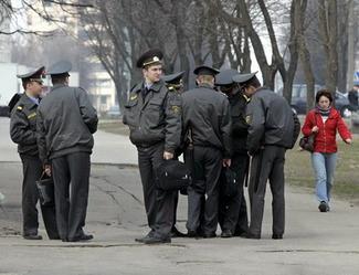 Прецедент: суд не поверил милиционеру, обвинявшему оппозиционеров в «нецензурной брани»