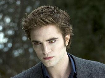 """Список самых сексуальных мужчин оккупировали """"вампиры"""""""