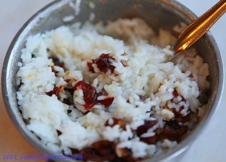 Утка, фаршированная рисом и финиками