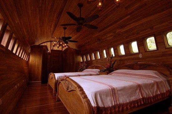 Отель-самолет в Коста-Рике