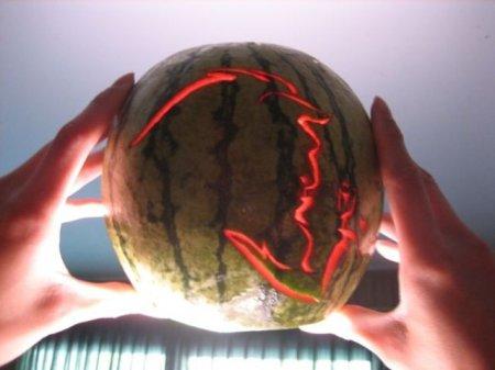 Вырезка арбузов