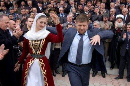 В Чечне похищенных девушек «лечат», избивая палками