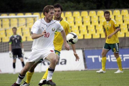 Дубль Вячеслава Глеба принес сборной Беларуси победу в Литве