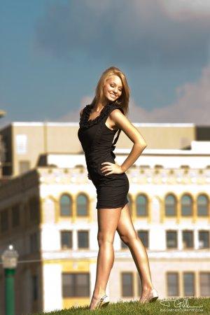 Девушка дня - Cassie Keller
