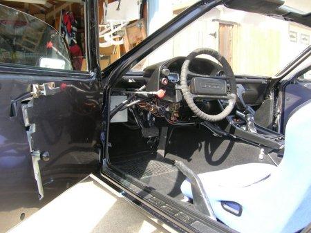 Энтузиаст выкинул из своего Porsche двигатель, чтобы сделать электромобиль