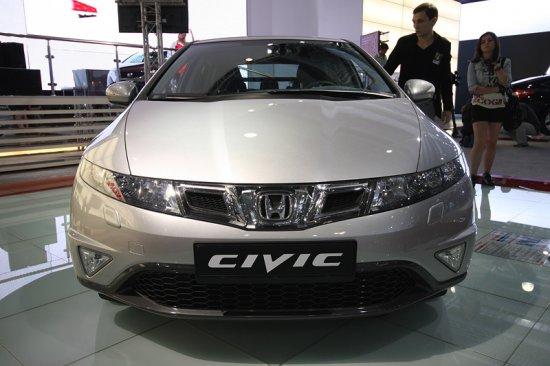 Хэтчбек Honda Civic обновился и получил «автомат»