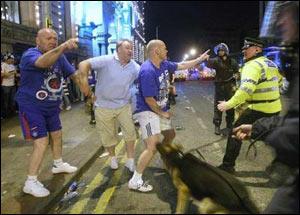 """Матч """"Манчестер Юнайтед"""" - """"Рейнджерс"""" в Лиге Чемпионов будет сопровождаться самой масштабной полицейской операцией в истории британского футбола"""