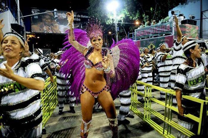 batman-i-rokko-bolshoy-brazilskiy-karnaval