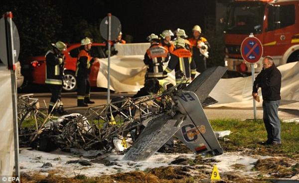Два самолета столкнулись в небе во время авиа-шоу