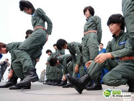 Женщины-пилоты в Китае