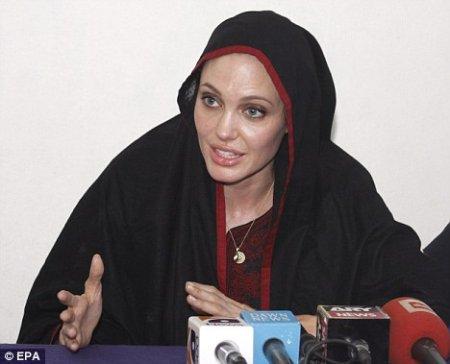 Пакистанский вояж Анджелина Джоли