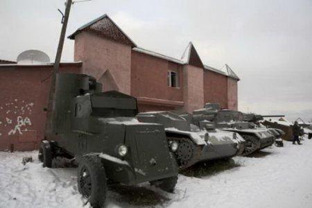 Танкостроитель