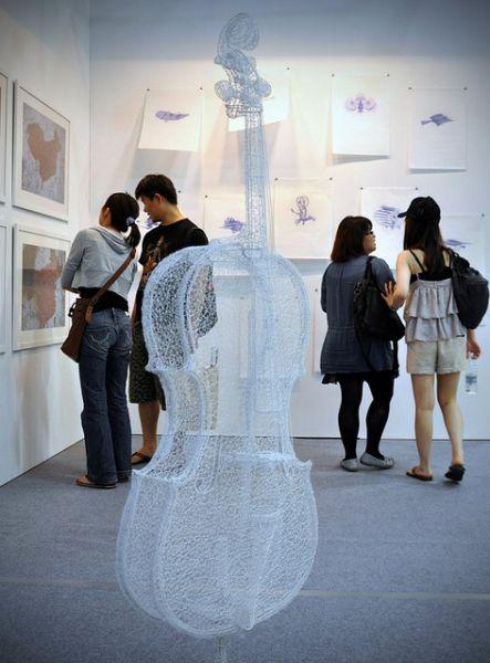 Интересные памятники и скульптуры 1286358117_amazing_3d_sculptures_640_11