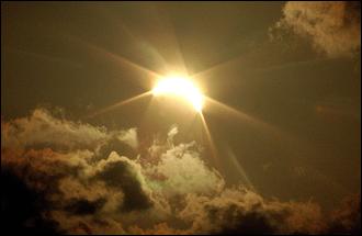 Причиной аномальной жары в России стала Луна